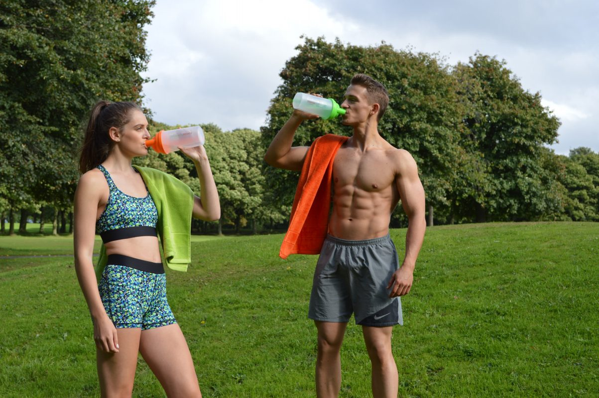 Romix Nutrition Models Drinking